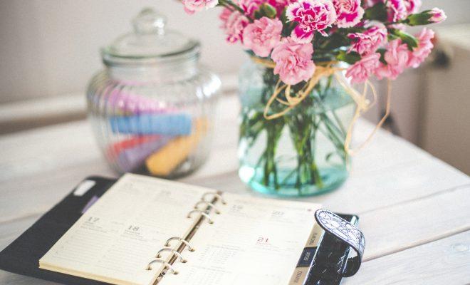 Hoe je verse bloemen gebruikt om je interieur te verbeteren